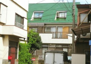 屋根の塗り替えの他、棟板金の交換も行いました